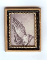 62220 Praying Hands