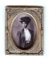 92050 Photo of young black woman